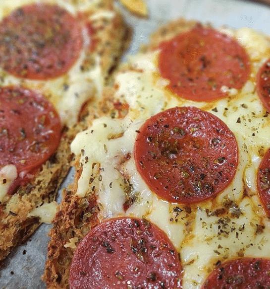Pizza exprés de pepperoni y Frankfurt